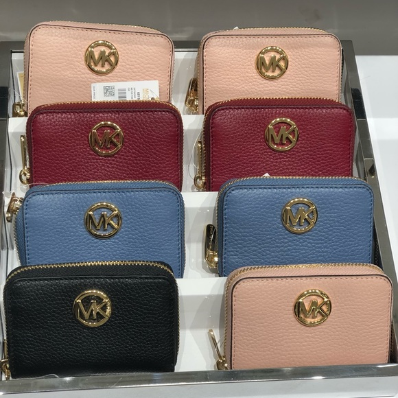 11d2ca2fcf9485 ... discount code for michael kors fulton leather zip around coin purse  0beec 33620